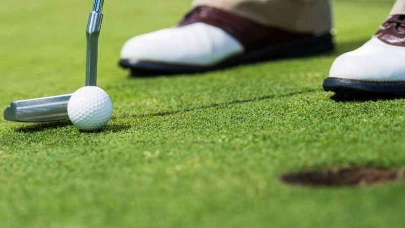 Cách đặt mặt gậy golf ảnh hưởng thế nào tới cú đánh