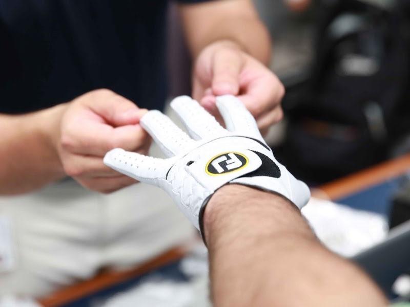 Găng tay từ chất liệu vải tổng hợp
