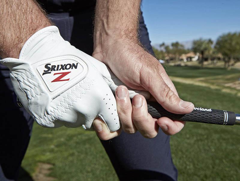 Găng tay golf Srixon được nhiều người ưa chuộng