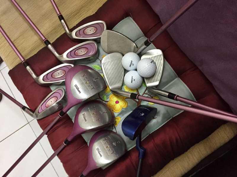 Hình ảnh bộ gậy golf fullset nữ màu hồng