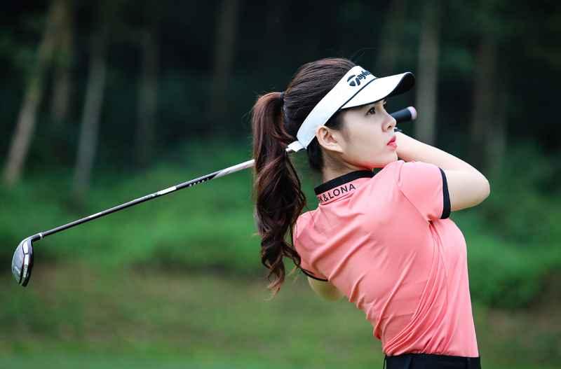 Gậy golf fullset nữ cần phải có cán gậy phù hợp với chiều cao cơ thể để nâng cao kỹ thuật chơi