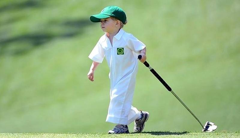 Chiều dài gậy golf là vấn đề bạn cần lưu ý khi chọn mua gậy golf cho bé