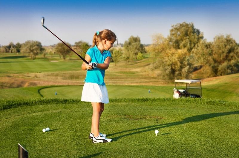 Hiện nay có nhiều cơ sở bán gậy và phụ kiện golf dành cho trẻ em