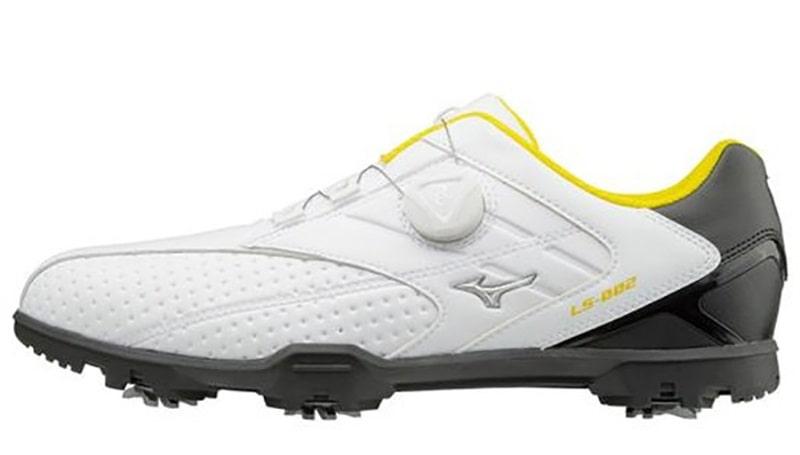 Giày golf Mizuno 51GM có phần đế dễ tháo rơi