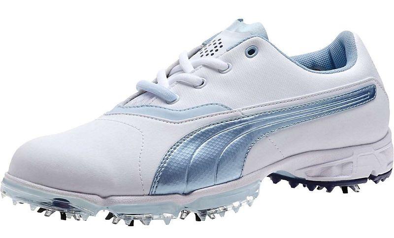 Nữ golfer cần lưu ý màu sắc, size, đinh giày khi lựa chọn giày golf nữ
