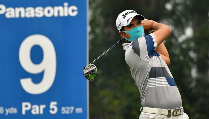 Khẩu trang đánh golf là phụ kiện cần thiết đối với mỗi golfer