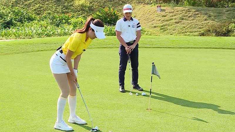 Khoảng cách đánh gậy golf gỗ tùy thuộc vào handicap của mỗi người