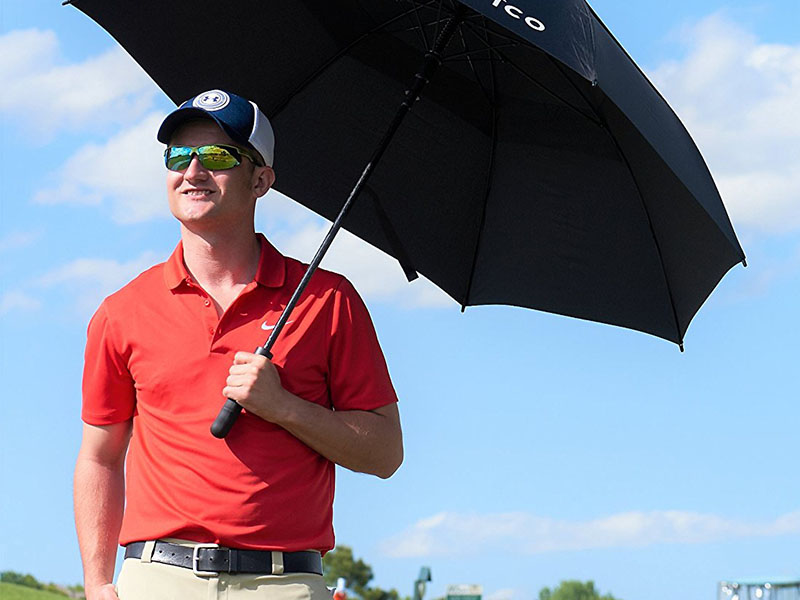 Kính golf có tác dụng bảo vệ mắt khỏi tia UV và bụi bẩn