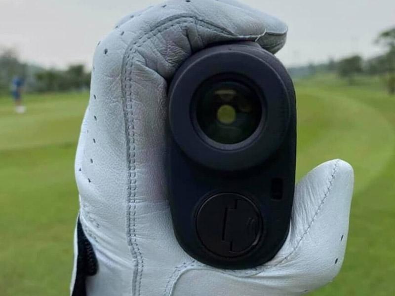 Golfer nên lựa chọn những dòng sản phẩm có khả năng chống nước
