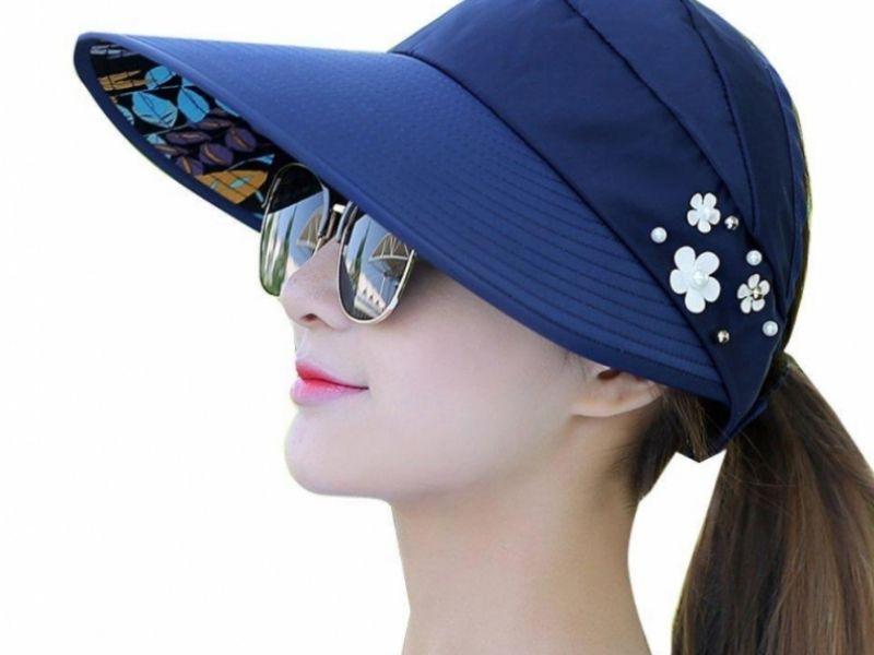 Mũ rộng vành chắn nắng được nhiều nữ golfer lựa chọn