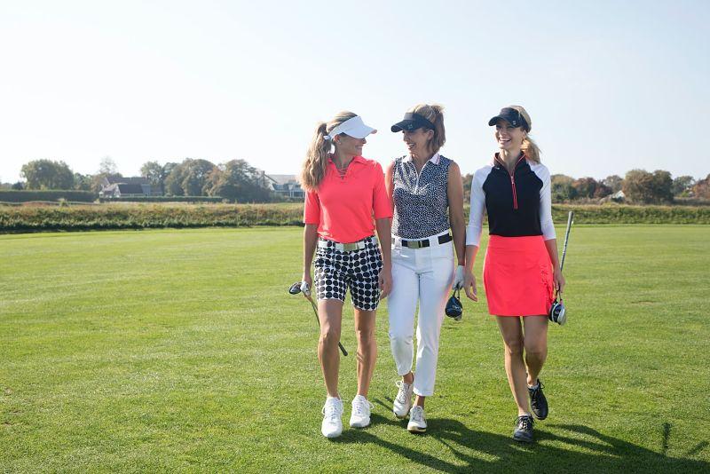 Mẫu quần golf dài sẽ giúp bảo vệ làn da khỏi ánh nắng