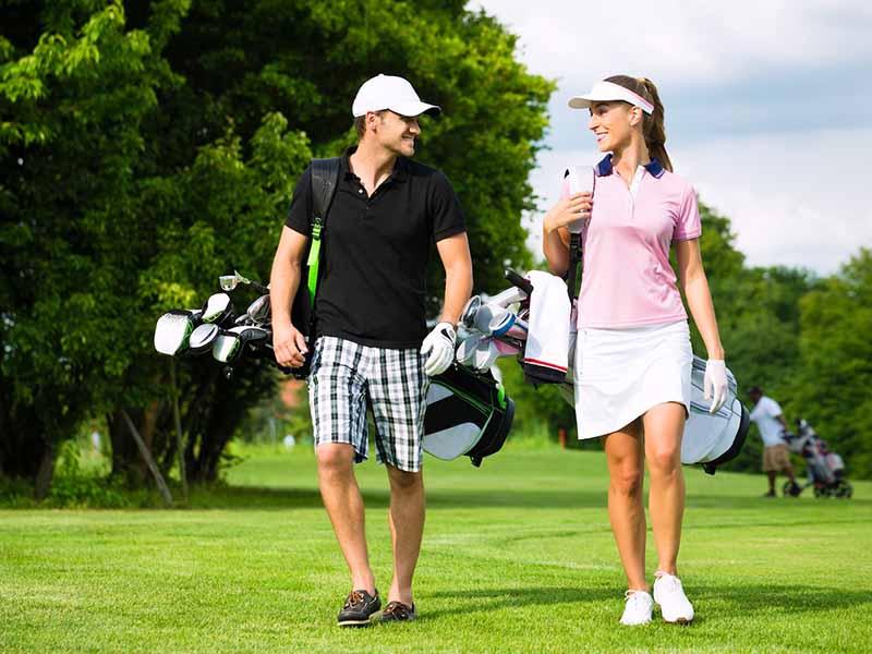 Trang phục mang đến sự thoải mái nhất cho golfer khi thực hiện cú đánh bóng