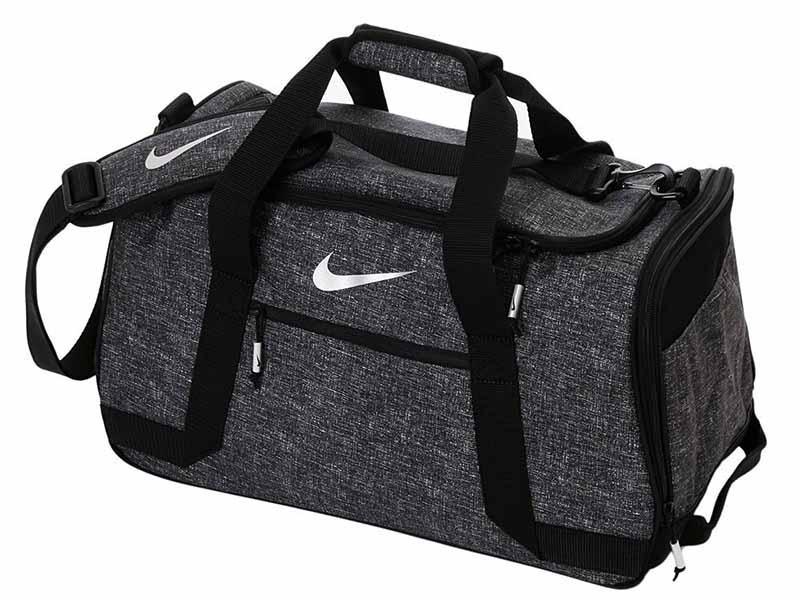 Túi golf Nike được nhiều khách hàng lựa chọn
