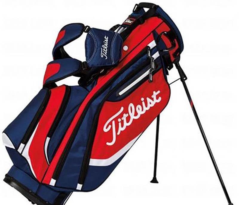 Túi golf Titleist đã vươn ra tầm thế giới nhờ kiểu dáng hiện đại và chất lượng bền bỉ