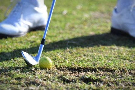 Những người chơi có tốc độ Swing thấp nên chọn gậy Driver có góc loft cao