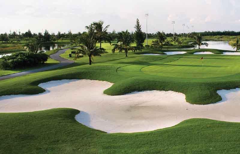 Quần thể Do Son Seaside Golf Resort được xây dựng tại vị trí rất thuận tiện về giao thông