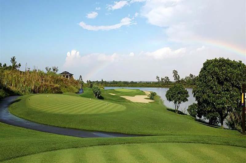 Sân golf có thiết kế phong cảnh sơn thủy hữu tình tuyệt đẹp