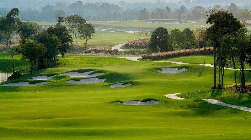 Sân golf Vũ Yên là dự án đầu tiên được thực hiện trên đảo Vũ Yên của tỉnh Hải Phòng