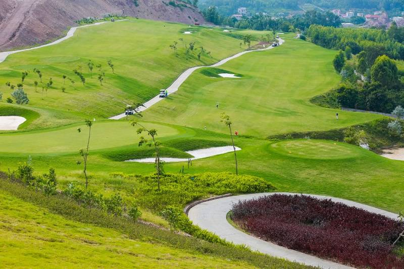 Trong tương lai các sân golf này sẽ mang lại nhiều lợi ích cho người dân