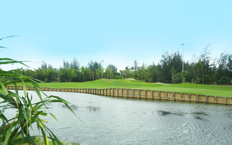 BRG Đà Nẵng là sân golf phong cách bờ kè đầu tiên của Đông Nam Á
