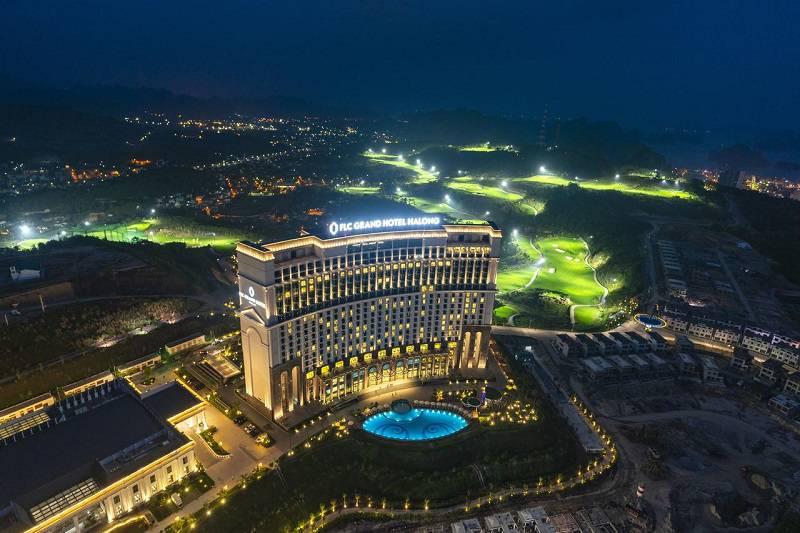 Địa điểm này nằm trong quần thể khu nghỉ dưỡng cao cấp của FLC Hạ Long