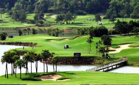 Sân golf Lương Sơn Hòa Bình với lợi thế từ thiên nhiên thu hút nhiều golfer