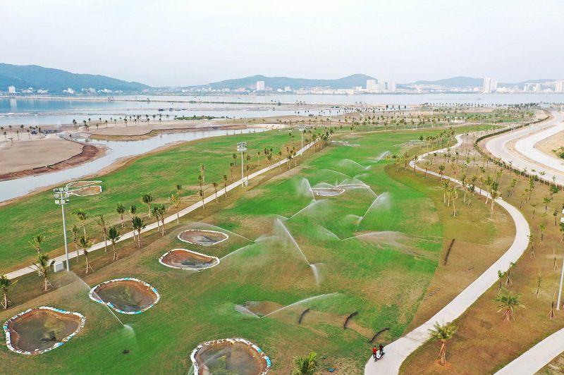 Một góc sân golf đang trong quá trình hoàn thiện