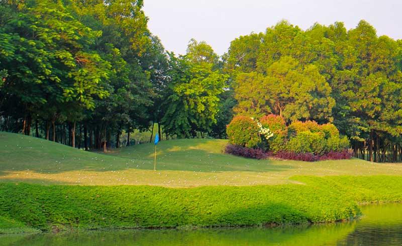Sân tập golf Ciputra rộng đến 11.000 m2