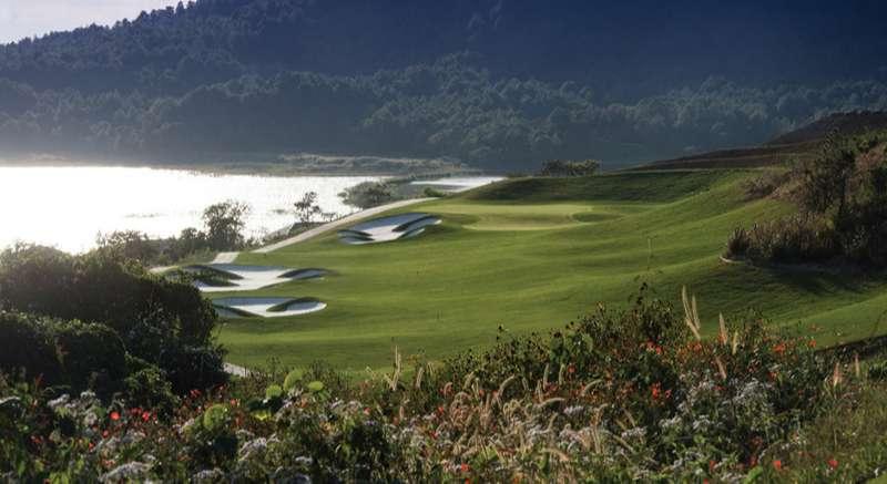 Sân golf Đà Ròn xây dựng bao quanh thung lũng Đạ Ròn, Đà Lạt
