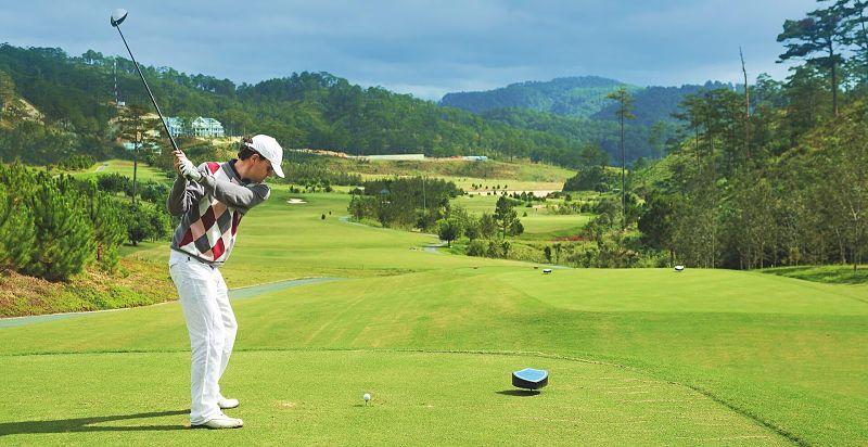 Nơi đây gây ấn tượng với các golf thủ bằng những fairway rộng mênh mông