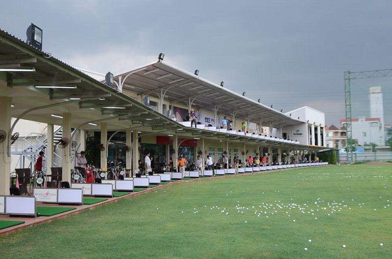 Sân đánh golf Mỹ Đình Pearl có khá nhiều làn đánh