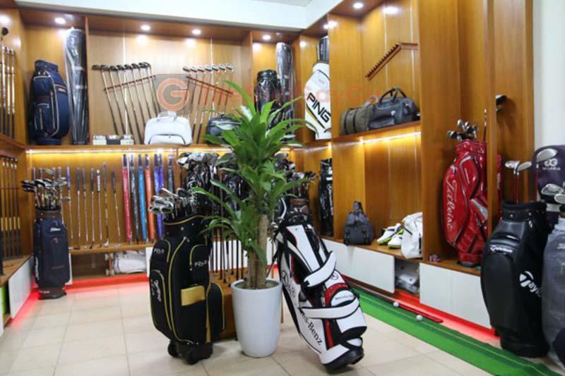 Thế Giới Gậy Cũ là đơn vị đi đầu trong việc thành lập showroom mua – bán gậy cũ dành cho các golfer