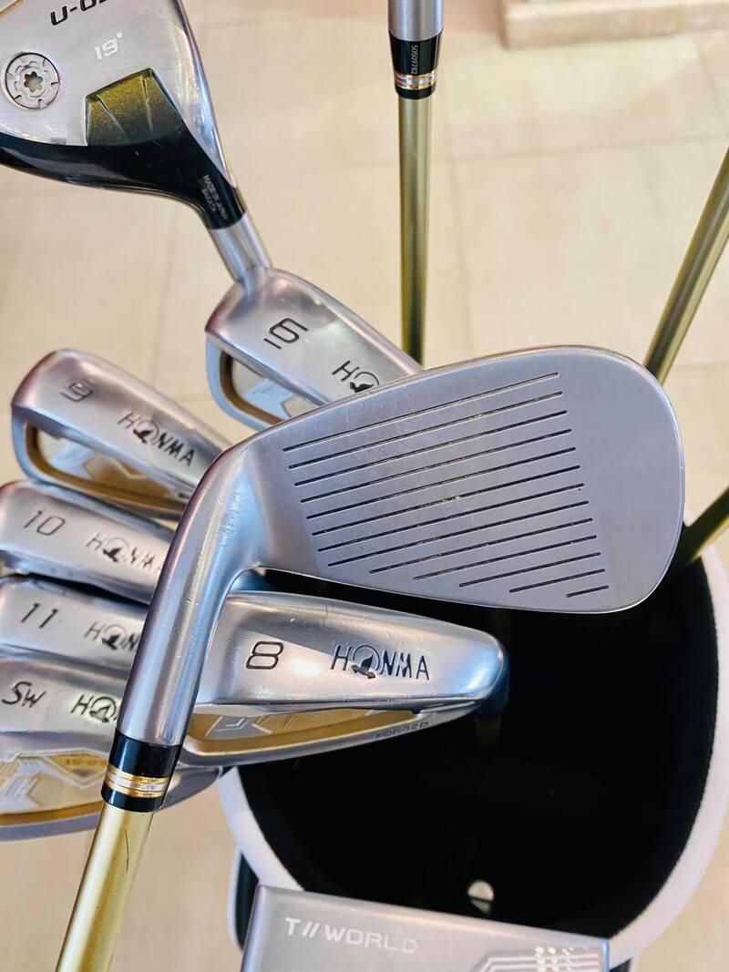 Bộ gậy golf Honma Beres 2 sao S03 rất phù hợp với những người chơi muốn cải thiện cú swing