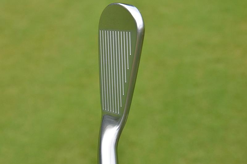 Gậy golf Titleist AP2 phù hợp với người chơi có trình độ từ thấp tới trung bình