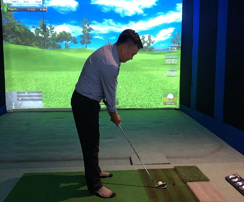 Anh Thái Nguyễn thỏa mãn niềm đam mê chơi golf với phòng 3D Cyber