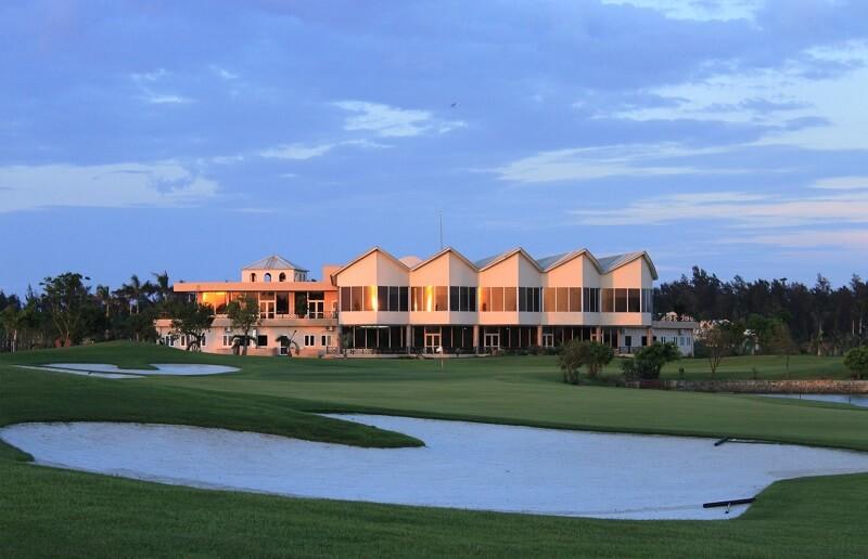 Sân golf Cửa Lò là sự kết hợp tổng thể của khu nghỉ dưỡng – khu thể thao – khu tắm biển