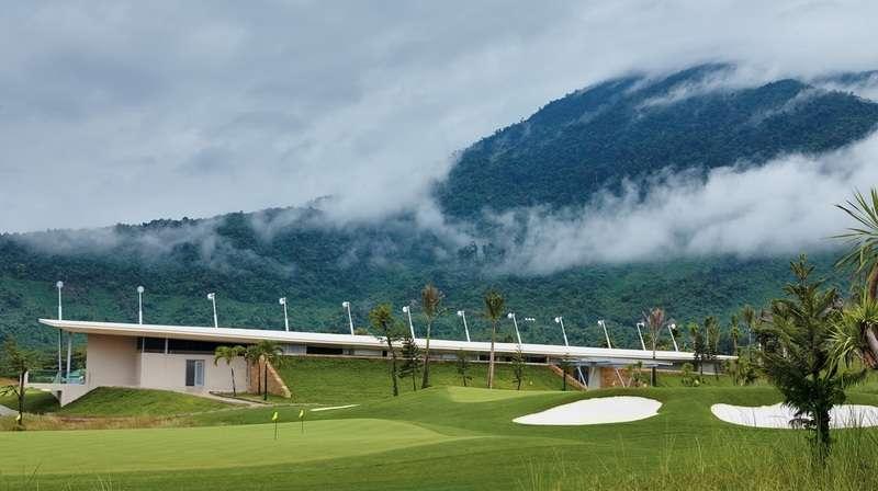 """Cũng chính vào năm 2016, sau khi khai trương, sân golf Bà Nà Hill đã được vinh danh là """"Sân golf tốt nhất thế giới"""""""