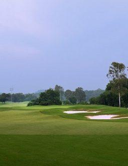 là một trong những sân golf có thiết kế ấn tượng, đẹp nhất khu vực Đông Nam Á