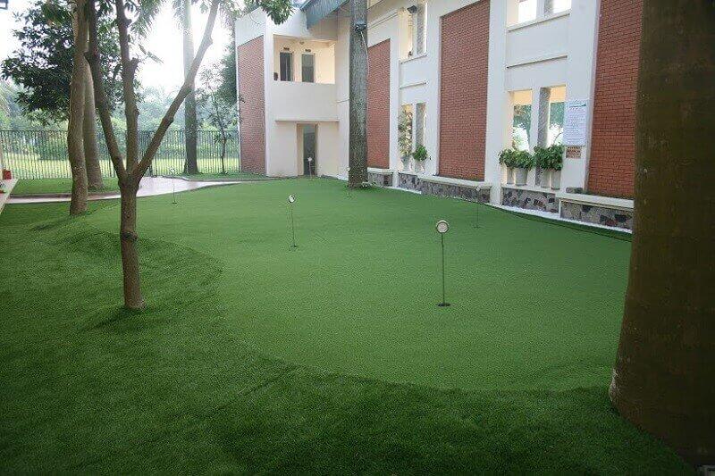 Tổng diện tích khu tập lên tới 300m2 với 7 lỗ golf để các tay golf luyện tập