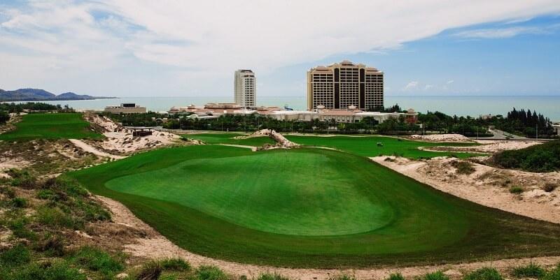 Sân golf The Bluffs lọt vào danh sách các sân golf lớn nhất Đông Nam Á