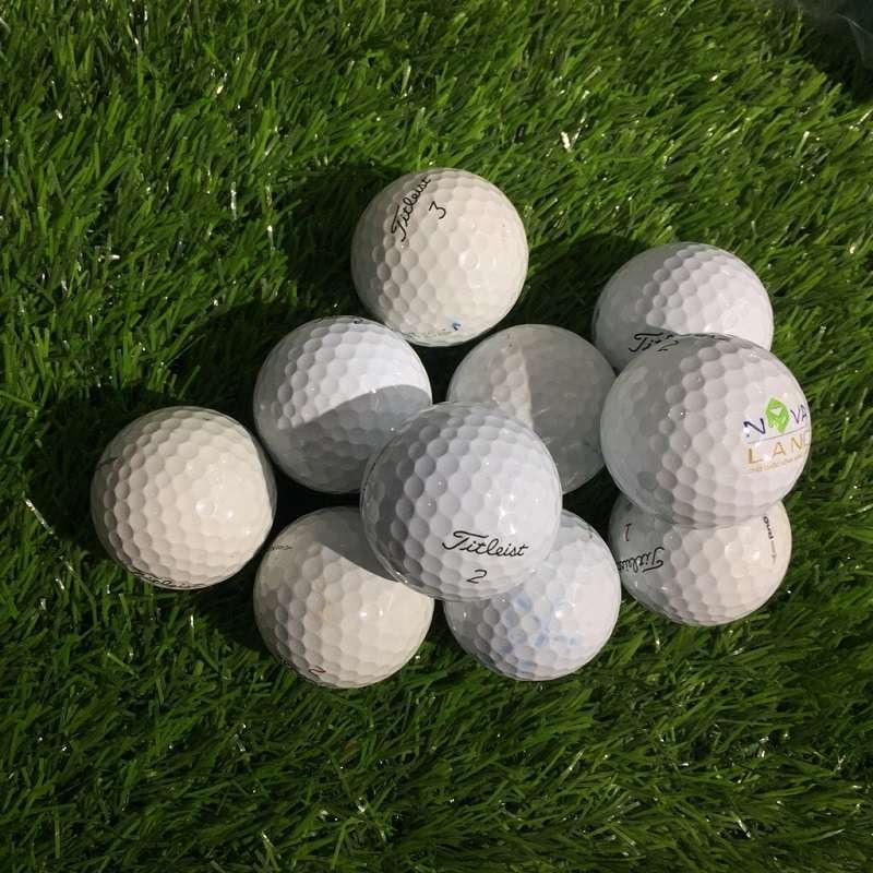 Vỏ bóng được tích hợp công nghệ Dual Dimple độc quyền của Titleist với thiết kế 352 điểm lõm quanh bóng