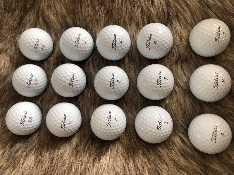 Bóng golf Titleist V1 cũ giúp golf thủ cải thiện độ chính xác và khoảng cách đánh bóng
