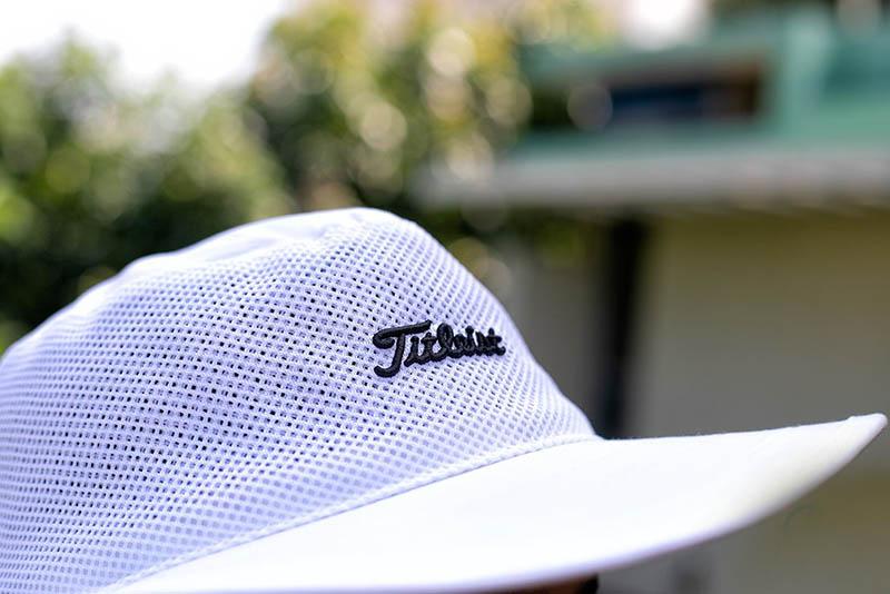 Aussie Mesh màu trắng và phần lưới thông thoáng