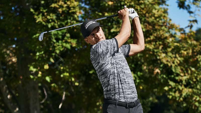 Sản phẩm áo polo tạo sự thoải mái cho golfer