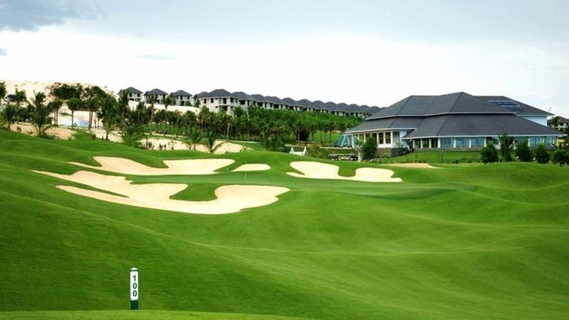 Sân tập golf West Lakes Golf & Villas