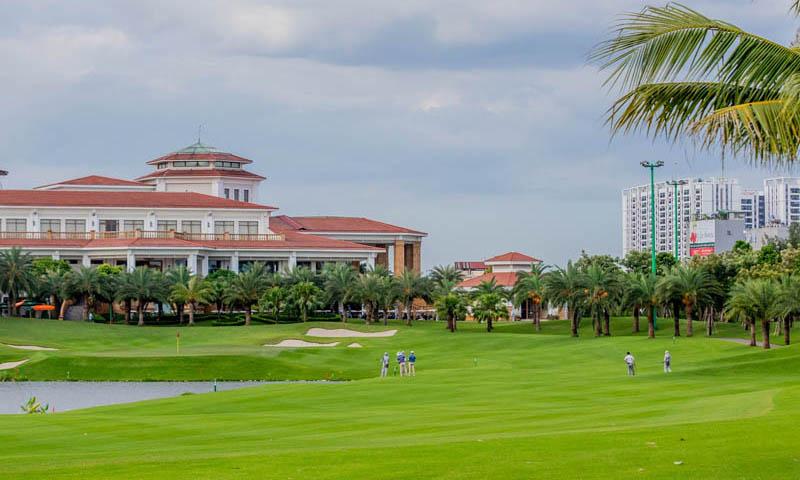 Cảnh quan xanh tại khu sân golf Long Biên