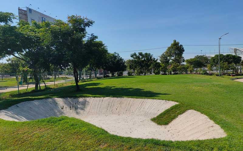 Cảnh quan của sân golf Xuân Thủy, Đà Nẵng xanh mát và thu hút