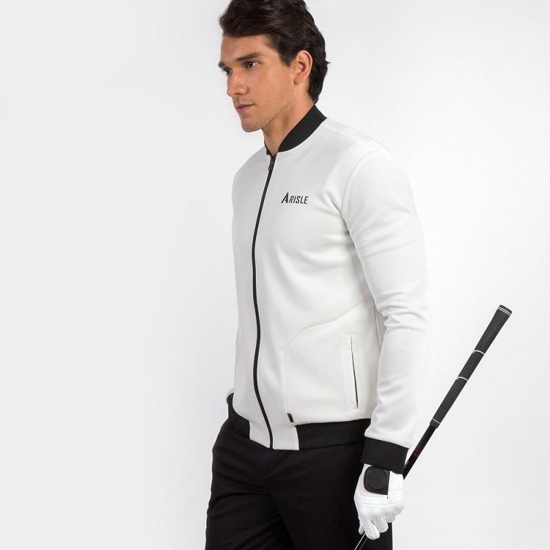 Áo khoác dài tay được rất nhiều golfer tin dùng