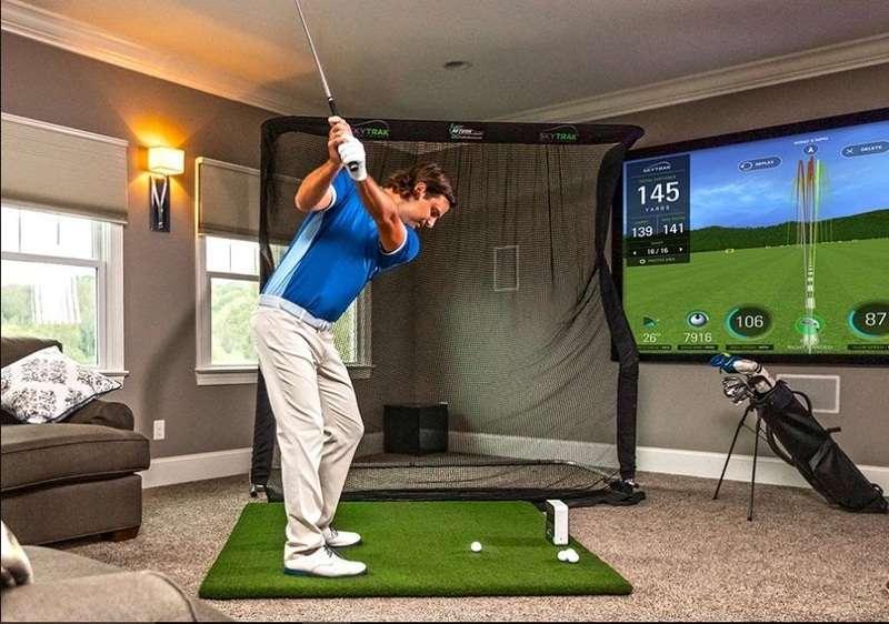 Sự phổ biến của xu hướng luyện golf tại nhà đã kéo theo nhu cầu sử dụng các dụng cụ tập golf tại nhà