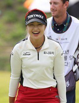 Nhiều golfer chuyên nghiệp ưa chuộng quần áo Fantom